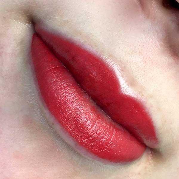Kosmetisk pigmentering av läppar